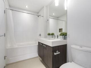 """Photo 10: 316 555 FOSTER Avenue in Coquitlam: Coquitlam West Condo for sale in """"FOSTER BY MOSAIC"""" : MLS®# R2163342"""
