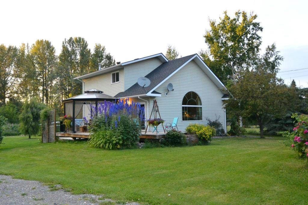 Main Photo: 1562 COTTONWOOD Street: Telkwa House for sale (Smithers And Area (Zone 54))  : MLS®# R2481070