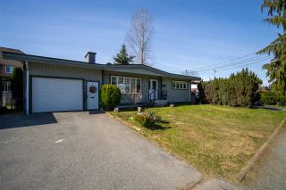 Photo 3: 2771 CENTENNIAL Street in Abbotsford: Abbotsford West House for sale : MLS®# R2562359