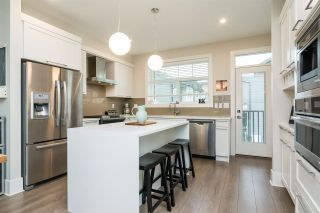"Photo 5: 1 7665 209 Street in Langley: Willoughby Heights Townhouse for sale in ""Archstone-Yorkson"" : MLS®# R2232525"