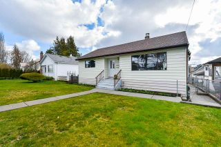 "Photo 3: 1624 TENTH Avenue in New Westminster: West End NW House for sale in ""West End"" : MLS®# R2556009"