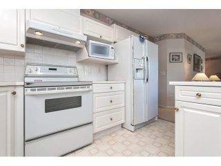"""Photo 6: 167 13888 70 Avenue in Surrey: East Newton Townhouse for sale in """"Chelsea Gardens"""" : MLS®# R2000018"""