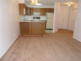 """Photo 5: # 114 74 MINER ST in New Westminster: Fraserview NW Condo for sale in """"FRASERVIEW PARK"""" : MLS®# V840545"""