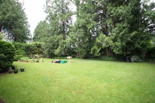 """Photo 2: 4521 SOUTHRIDGE Crescent in Langley: Murrayville House for sale in """"Murrayville"""" : MLS®# R2339975"""