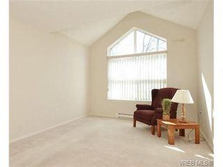 Photo 7: 311 1485 Garnet Rd in VICTORIA: SE Cedar Hill Condo for sale (Saanich East)  : MLS®# 727717