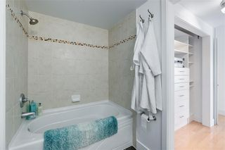 Photo 17: 2504 1078 6 Avenue SW in Calgary: Downtown West End Apartment for sale : MLS®# C4264239