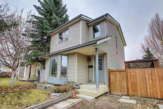Main Photo: 24 Appletree Way SE in Calgary: Applewood Park Detached for sale : MLS®# A1061842