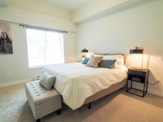 """Photo 12: 60 1188 MAIN Street in Squamish: Downtown SQ Townhouse for sale in """"Soleil at Coastal Village"""" : MLS®# R2467472"""