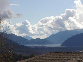 """Photo 2: 18 1026 GLACIER VIEW Drive in Squamish: Garibaldi Highlands Townhouse for sale in """"SEASONVIEW"""" : MLS®# V1011095"""