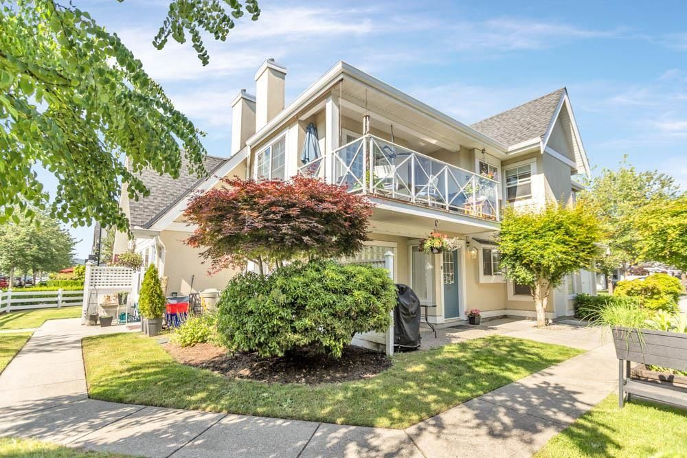 """Main Photo: 40 23560 119 Avenue in Maple Ridge: Cottonwood MR Townhouse for sale in """"HOLLYHOCK"""" : MLS®# R2600014"""