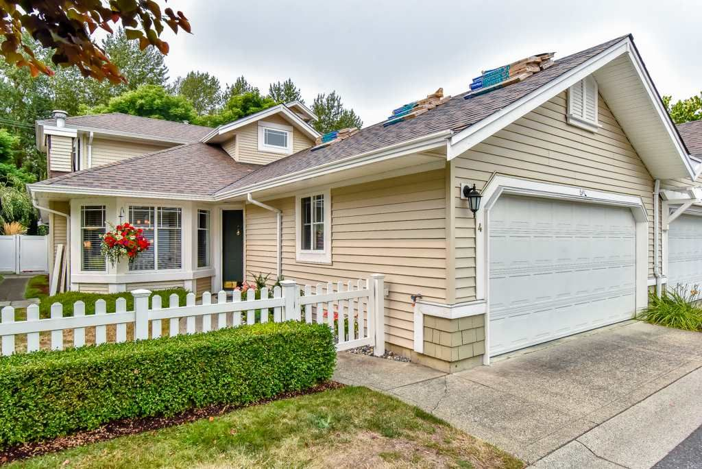 """Main Photo: 4 6488 168 Street in Surrey: Cloverdale BC Townhouse for sale in """"TURNBERRY"""" (Cloverdale)  : MLS®# R2298563"""