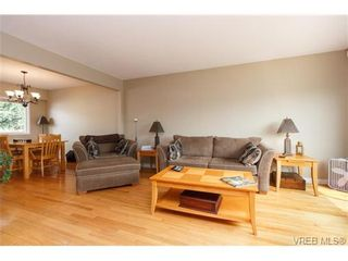 Photo 5: 930 Easter Rd in VICTORIA: SE Quadra House for sale (Saanich East)  : MLS®# 706890