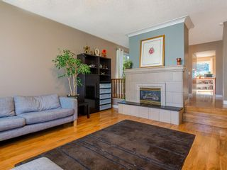 Photo 5: 307 Silver Springs Rise NW in Calgary: Silver Springs Detached for sale : MLS®# A1025605