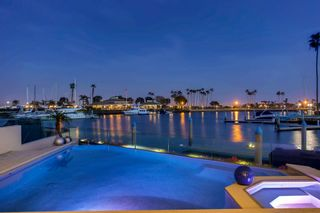 Photo 2: House for sale : 6 bedrooms : 2 Green Turtle Rd in Coronado