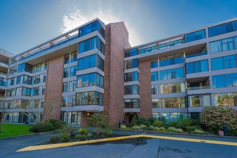 Main Photo: 209 4101 YEW STREET in : Quilchena Condo for sale (Vancouver West)  : MLS®# R2255175
