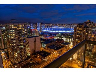 """Photo 2: 2604 977 MAINLAND Street in Vancouver: Yaletown Condo for sale in """"YALETOWN PARK III"""" (Vancouver West)  : MLS®# R2122379"""