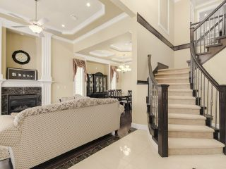Photo 2: 8262 154B Street in Surrey: Fleetwood Tynehead House for sale : MLS®# F1438002