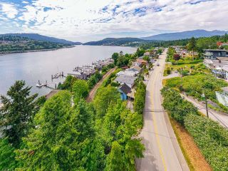Photo 5: 940 IOCO Road in Port Moody: Barber Street House for sale : MLS®# R2607344