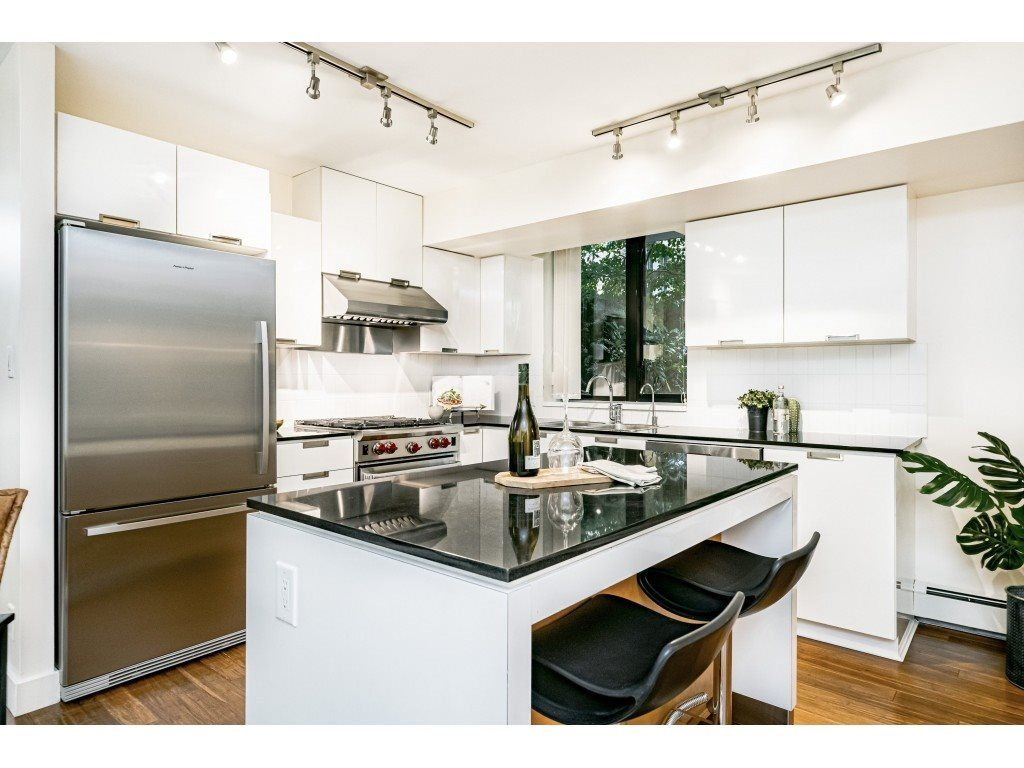 """Main Photo: 155 W 2ND Street in North Vancouver: Lower Lonsdale Townhouse for sale in """"SKY"""" : MLS®# R2537740"""