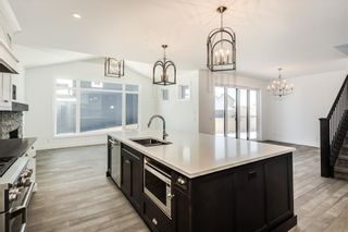 Photo 8: 152 ROCK LAKE View NW in Calgary: Rocky Ridge Detached for sale : MLS®# A1062711