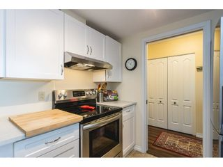 """Photo 10: 502 15111 RUSSELL Avenue: White Rock Condo for sale in """"Pacific Terrace"""" (South Surrey White Rock)  : MLS®# R2597995"""