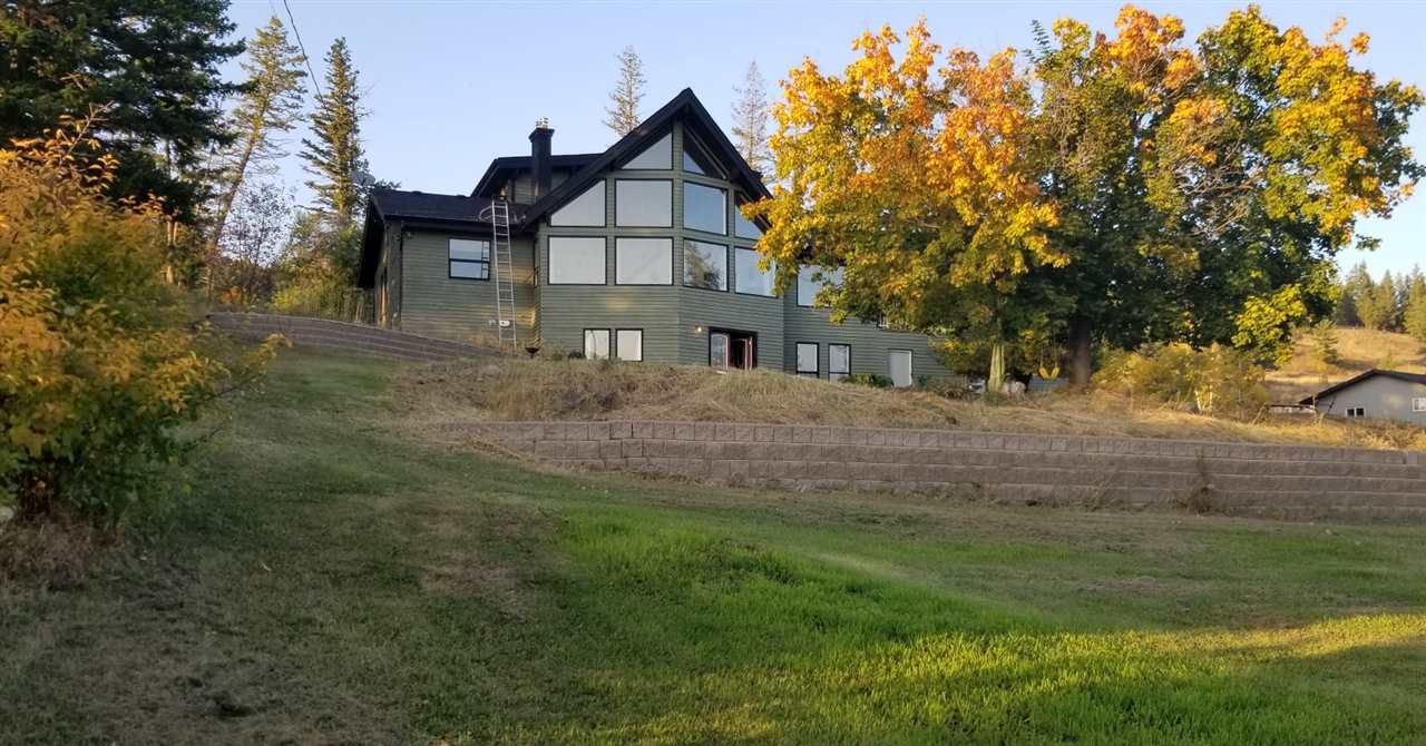 Main Photo: 27 VALLEY Road: 150 Mile House House for sale (Williams Lake (Zone 27))  : MLS®# R2503317