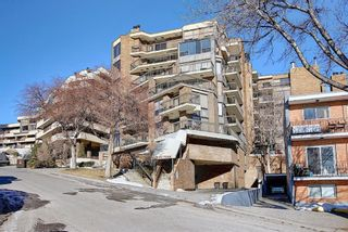 Photo 1: 806 320 Meredith Road NE in Calgary: Crescent Heights Apartment for sale : MLS®# A1143492