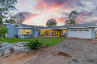Photo 10: CHULA VISTA House for sale : 3 bedrooms : 1520 Larkhaven Drive