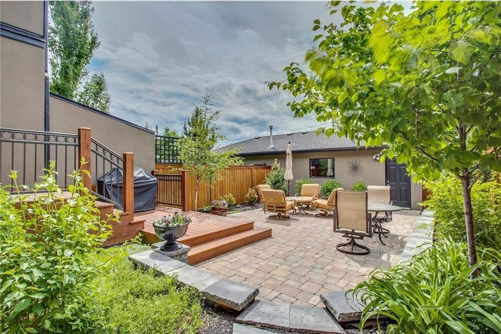 Photo 2: Photos: 3909 19 Street SW in Calgary: Altadore House for sale : MLS®# C4122880