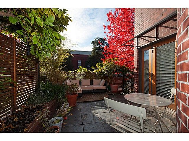 """Main Photo: 3 503 E PENDER Street in Vancouver: Mount Pleasant VE Townhouse for sale in """"Jackson Gardens"""" (Vancouver East)  : MLS®# V1035790"""