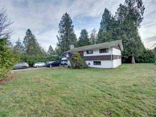 Photo 1: 7761 FAWN Road in Halfmoon Bay: Halfmn Bay Secret Cv Redroofs House for sale (Sunshine Coast)  : MLS®# R2428234