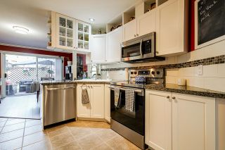 """Photo 10: 10 7250 122 Street in Surrey: East Newton Townhouse for sale in """"STRAWBERRY HILL"""" : MLS®# R2622818"""
