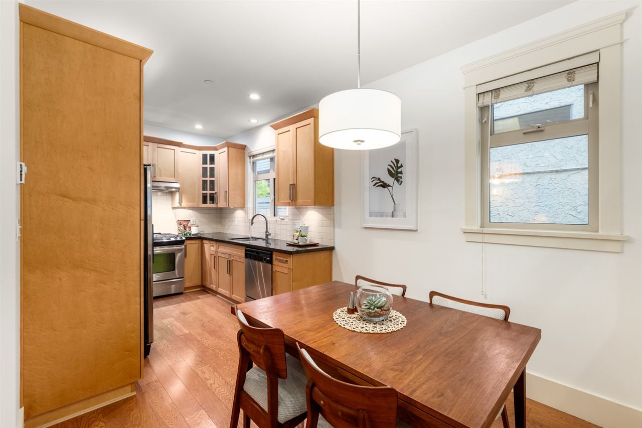 Photo 5: Photos: 1522 GRAVELEY STREET in Vancouver: Grandview Woodland Townhouse for sale (Vancouver East)  : MLS®# R2407954