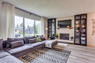 Photo 3: 23 Woodbrook Road SW in Calgary: Woodbine Detached for sale : MLS®# A1119363
