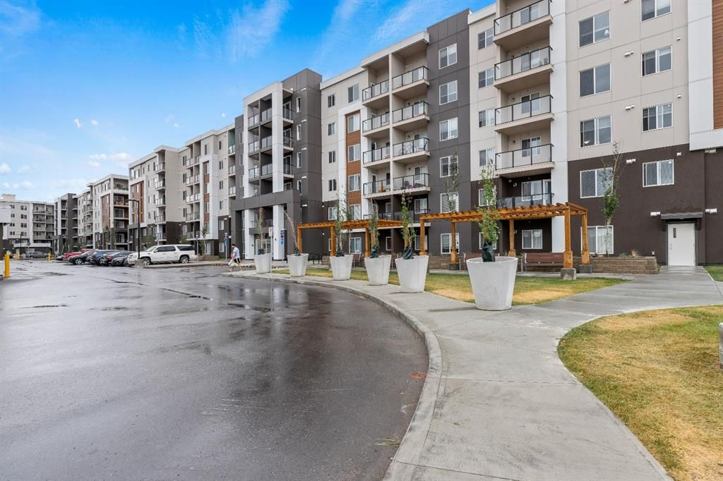 Main Photo: 2304 4641 128 Avenue NE in Calgary: Skyview Ranch Apartment for sale : MLS®# A1146068