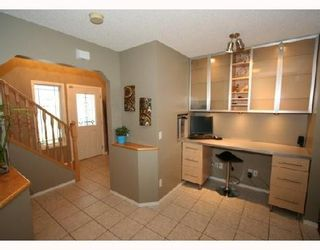 Photo 2: 175 VALLEY CREST Close NW in CALGARY: Valley Ridge Residential Detached Single Family for sale (Calgary)  : MLS®# C3337510