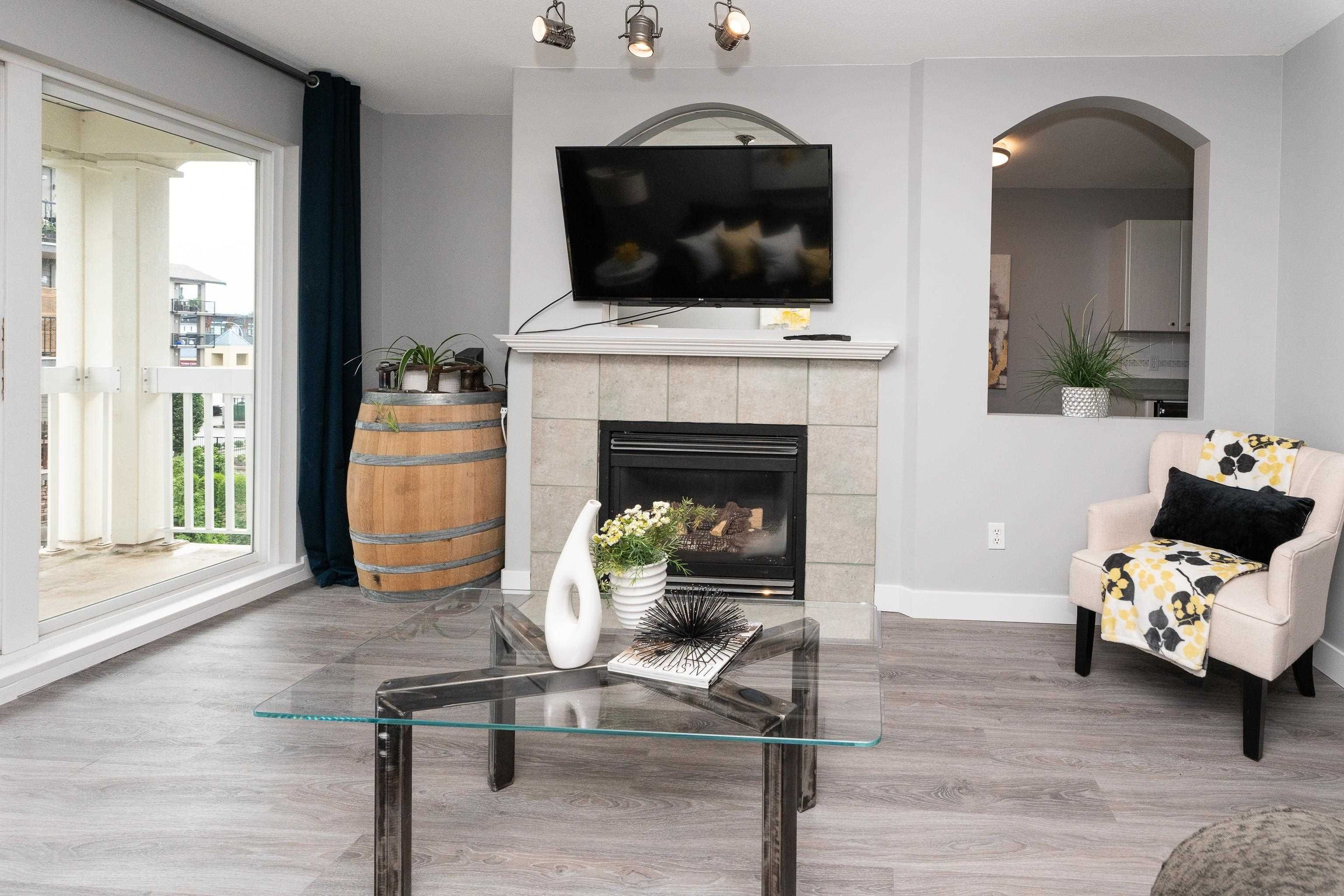 """Photo 3: Photos: 407 22022 49 Avenue in Langley: Murrayville Condo for sale in """"Murray Green"""" : MLS®# R2613823"""