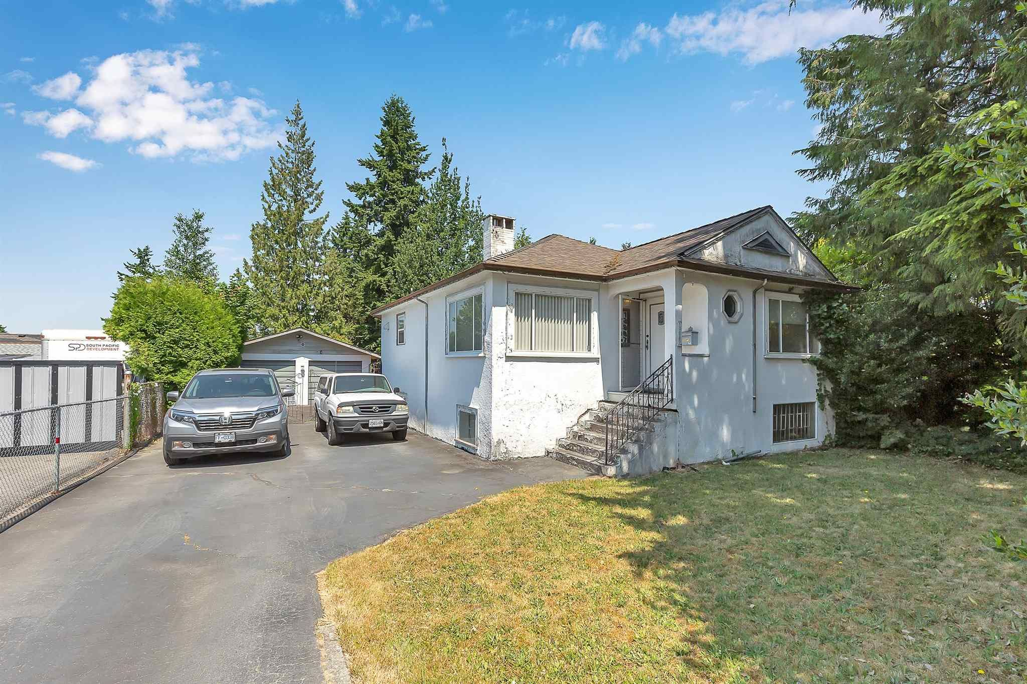 """Main Photo: 13987 GROSVENOR Road in Surrey: Bolivar Heights House for sale in """"bolivar hieghts"""" (North Surrey)  : MLS®# R2596710"""