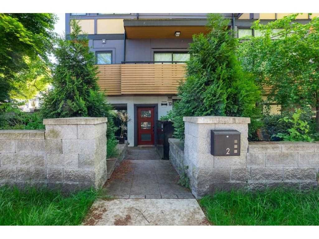 """Main Photo: 2 NANAIMO Street in Vancouver: Hastings Sunrise Townhouse for sale in """"Nanaimo West"""" (Vancouver East)  : MLS®# R2582479"""