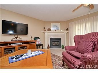 Photo 7: Photos: 3 10045 Fifth St in SIDNEY: Si Sidney North-East Row/Townhouse for sale (Sidney)  : MLS®# 595091