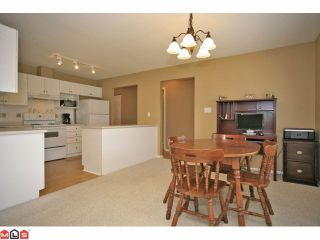 Photo 5: 6 6885 184TH Street in Surrey: Cloverdale BC Townhouse for sale (Cloverdale)  : MLS®# F1208414
