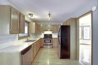 Photo 3: 65 Hawkville Close NW in Calgary: Hawkwood Detached for sale : MLS®# A1067998