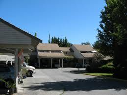 Main Photo: 15800 Mcbeth Road in South Surrey: Townhouse for sale : MLS®# F1405441