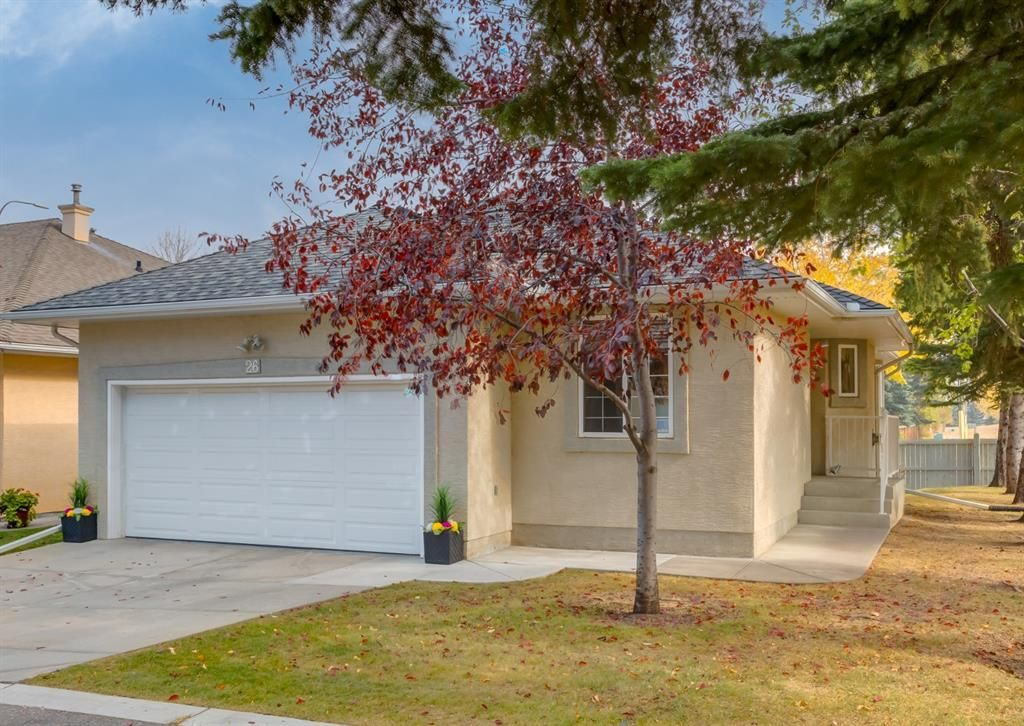 Main Photo: 26 Cedarview Mews SW in Calgary: Cedarbrae Detached for sale : MLS®# A1152745