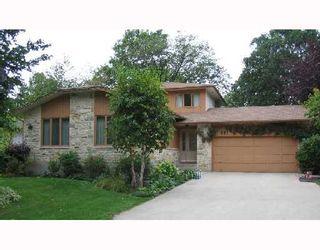 Photo 1: 881 KILKENNY Drive in WINNIPEG: Fort Garry / Whyte Ridge / St Norbert Single Family Detached for sale (South Winnipeg)  : MLS®# 2715892
