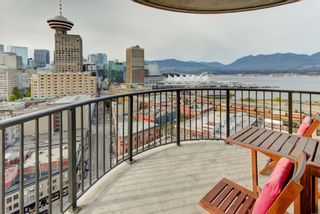 """Photo 8: 2110 128 W CORDOVA Street in Vancouver: Downtown VW Condo for sale in """"WOODWARDS W43"""" (Vancouver West)  : MLS®# R2394432"""