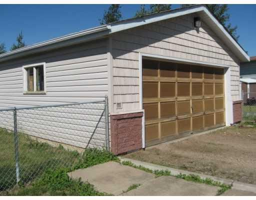 Photo 10: Photos: 5504 LIARD Street in Fort_Nelson: Fort Nelson -Town House for sale (Fort Nelson (Zone 64))  : MLS®# N193331