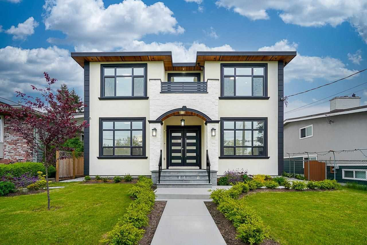 Main Photo: 6912 PATTERSON Avenue in Burnaby: Metrotown House for sale (Burnaby South)  : MLS®# R2584958