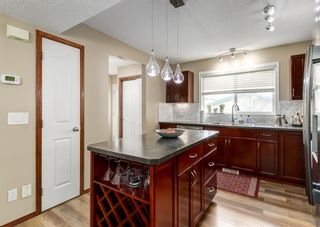 Photo 11: 20 Everridge Road SW in Calgary: Evergreen Detached for sale : MLS®# A1121337