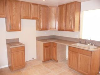 Photo 4: LEMON GROVE House for sale : 2 bedrooms : 7510 Zemco